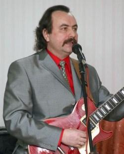 Известный белорусский гитарист Александр Терехов