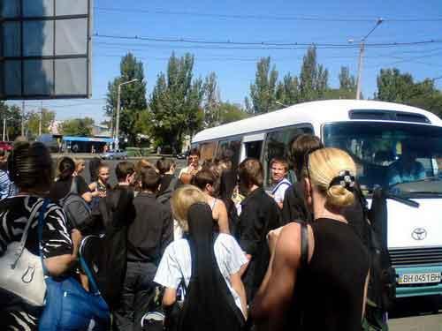 Долгожданный автобус приехал