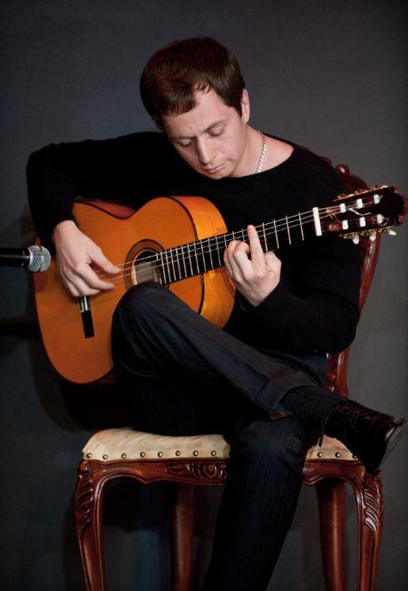 Гитарист фламенко Сергей Рощектаев