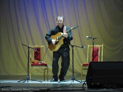 Гитарист Владимир Ткаченко