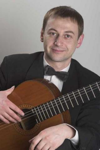 Белорусский гитарист, первый белорусский лауреат международного конкурса, композитор, педагог, аранжировщик Владимир Захаров