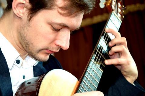 Белорусский гитарист Юрий Нехай