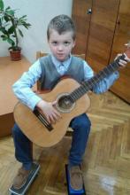 Гитарист Александр Круталевич