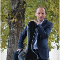Гитарист Ференц Бернат
