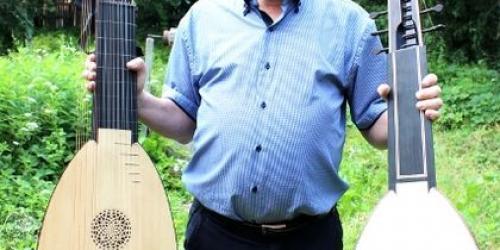 Лютневый мастер и лютнист Юрий Дубновицкий